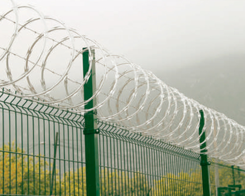 How to install razor wire in 8 steps - European Security Fencing